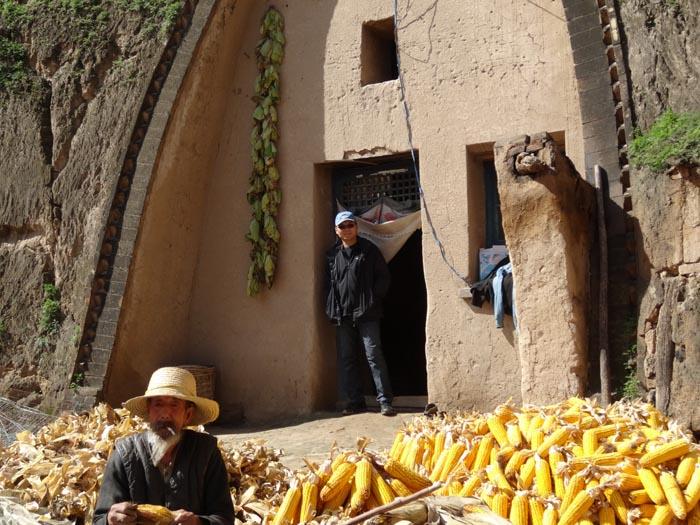 任惠中作品2013年再访陕甘边区老乡家