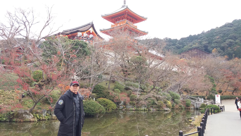 周逢俊照片在日本清水寺