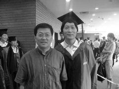 优乐娱乐官网照片与研究生薛方明