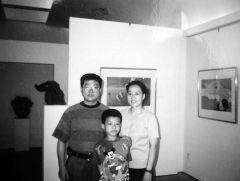 优乐娱乐官网照片1995年北京在雪白画廊举办个人画展