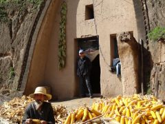 刘大为工作室活动照片2013年再访陕甘边区老乡家