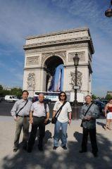戴顺智照片法国05