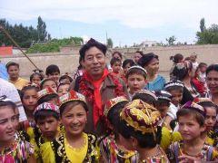 苗再新照片2006 新疆伊宁爱心活动04