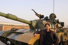 苗再新照片在装甲兵部队