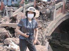 崔虹照片2008灾区512大地震09