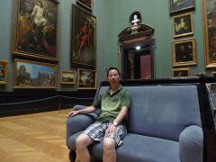 周扬波照片参观奥地利博物馆的世界名画
