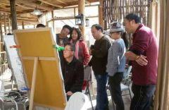 ARTIST_NAME作品2016年10月,郭山泽在沙溪古镇写生时,与同学切磋技艺