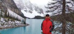 周逢俊照片在加拿大哥伦比亚山脉