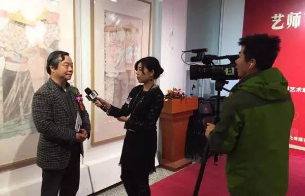 著名画家韩学中接受媒体采访.jpg