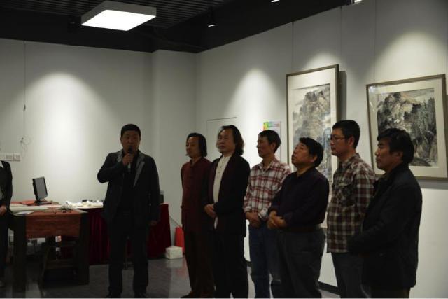 左至右:张大军、陈宝亮、赵金平、杨宝录、满维起、孙洪庚、刘革法.jpg