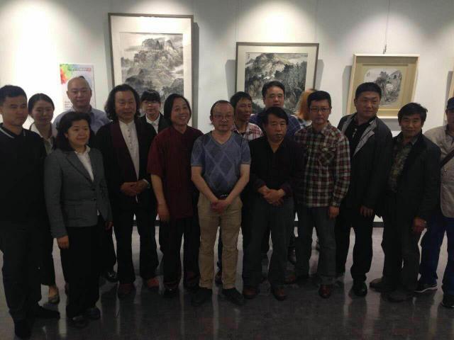 出席本次活动的领导嘉宾有中国水墨画院院长满维起.jpg