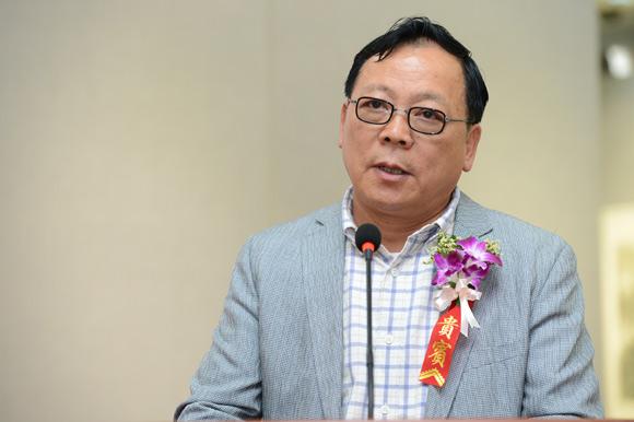 安徽省美术家协会主席杨国新开幕式上致辞.jpg