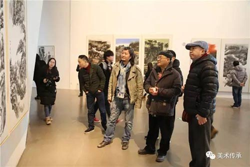 中央美院优乐娱乐学院院长 陈平(右2) 中国国家画院创作研究部副主任 何加林(右3).jpg