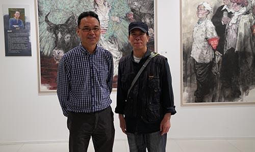 6,2016年5月21日,郭山泽在烟台美术馆展览现场与任惠中老师合影.JPG