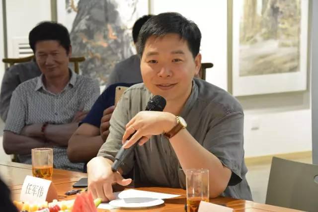北京大学博士后、《中国书画》杂志副总编任军伟发言.jpg