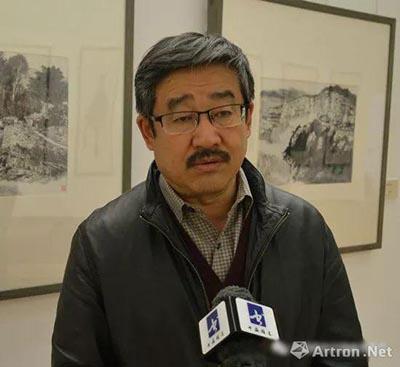 王学辉先生接受媒体采访.jpg