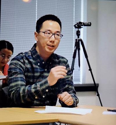 中国画家周扬波在唐诗鉴赏研讨会上发言.jpg