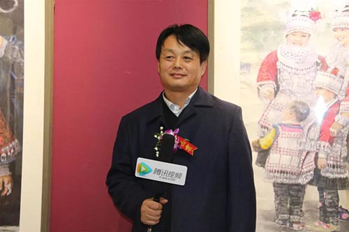 赵金文老师接受媒体采访.jpg